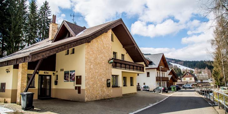 Pobyt pro turisty i lyžaře: u Čertovy hory, s polopenzí a all inclusive nápoji