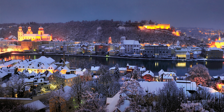 Za vánoční atmosférou do bavorského Pasova: návštěva trhů i plavba lodí