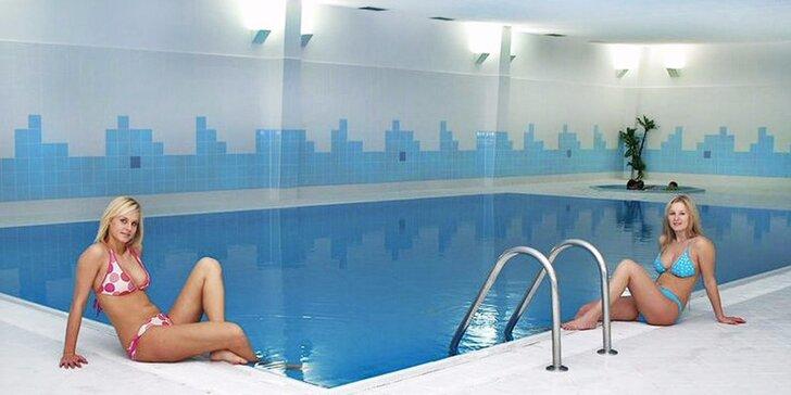 Odpočinek nedaleko Prahy: snídaně či polopenze a vstup do bazénu