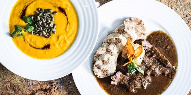 4chodové menu se 4 variantami hlavních jídel ve vyhlášené restauraci Savoy