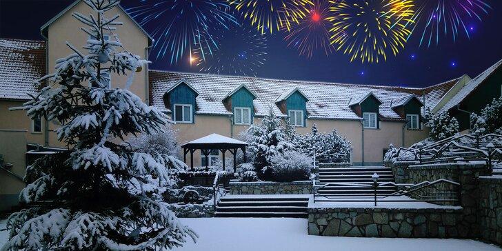 Silvestr na Vysočině pro 2: skvělá polopenze, párty, ohňostroj i wellness