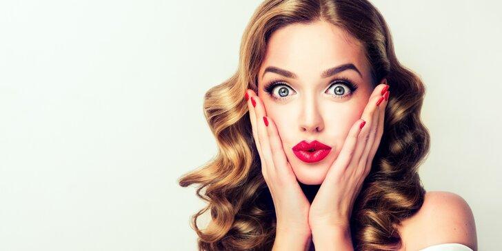 Balíček kosmetiky a manikúry s lakováním pro ženy