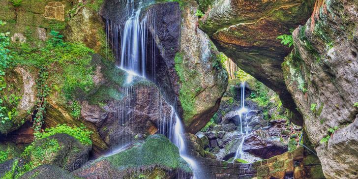 Vyhlídkovou tramvají přes hory k vodopádu Saského Švýcarska s průvodcem