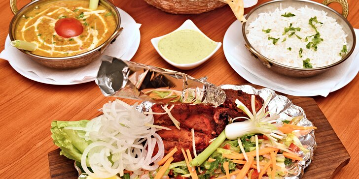 Indické menu pro dva kousek od I. P. Pavlova: vegetariánské, s masem i královské