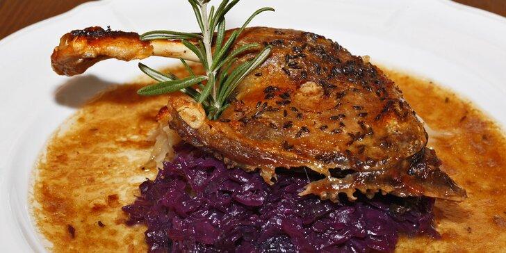 Staročeská romantická večeře u zurčícího potůčku pro 2 osoby
