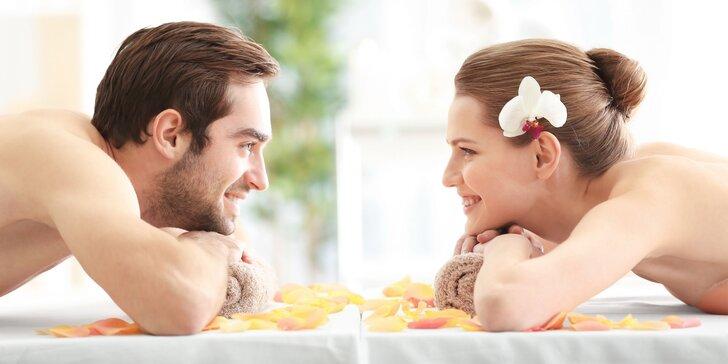 Hodina božské relaxace jen pro vás dva: havajská párová masáž Lomi Lomi