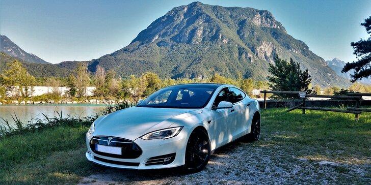 Vzhůru do budoucnosti: Zážitková jízda v luxusním elektromobilu Tesla Model S