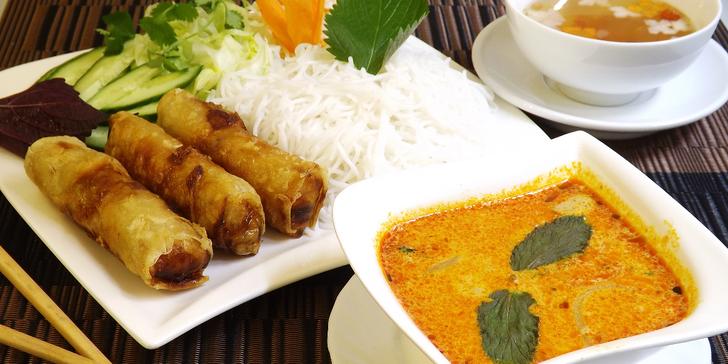 Bún nem a thajská krevetová polévka pro milovníky asijské kuchyně
