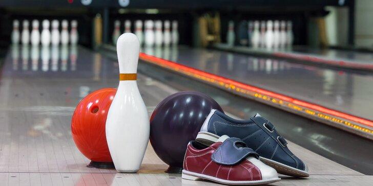 Bowling a pizza s přáteli v restauraci Nový Svět