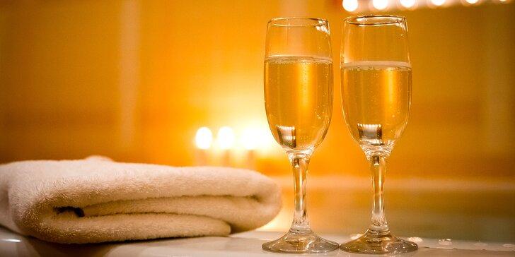 Privátní wellness pro dva s láhví Prosecca a krevetovými špízy