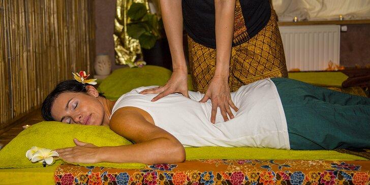 30, 60 nebo 90 minut uvolňující thajské masáže dle výběru v Salonu Lotus
