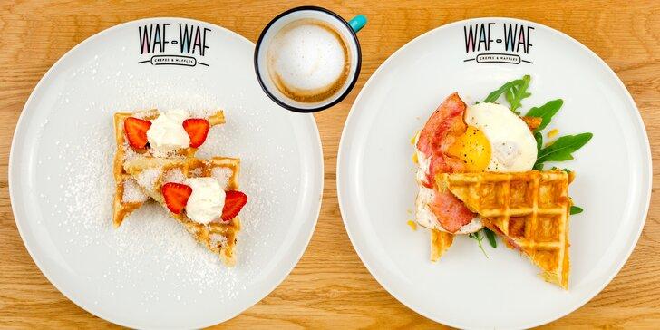 Snídaně ve Waf-Waf na Letné: dvě božské vafle, džus a káva v plecháčku