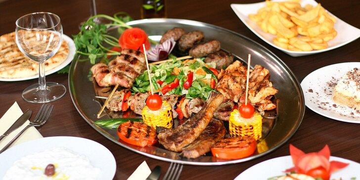 Degustační řecké menu pro dva: masové plato Delphi plné specialit a další dobroty