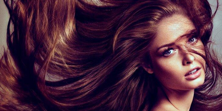 Zdravé a krásné vlasy díky kadeřnické péči se střihem a kúrou Olaplex
