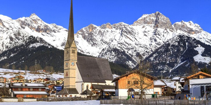 Zima v rakouských Alpách: penzion s českým personálem, polopenze i sauna