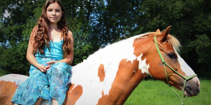 Svezte své dítě na koni za účasti trenéra: 15, 30, 45 i 60 minut jízdy