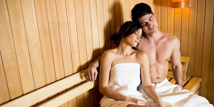 Zasloužený relax pro dva v soukromé spa zóně: finská sauna a vířivá koupel