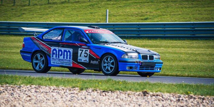 Jako střela: Řízení závodního speciálu BMW na závodním autodromu v Mostě