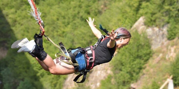 Bungee katapult: překonejte sami se sebe a zažijte adrenalinový let k nebi