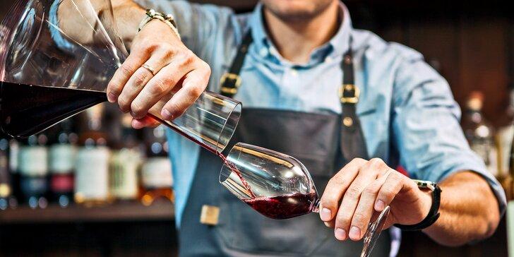 Víkend na Slovácku: výuka stříhání vinohradu, famózní víno i wellness pro dva