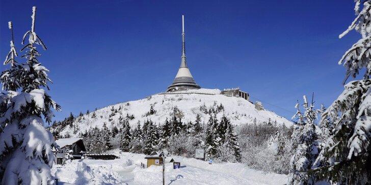 Zima pod Ještědem: vezměte rodinu na lyže do penzionu s polopenzí