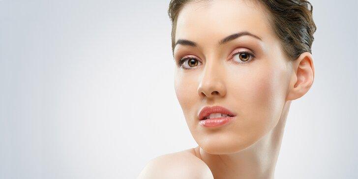 Mikrojehličková mezoterapie obličeje dermapenem v kombinaci s fototerapií