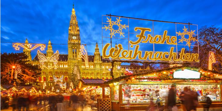 Vychutnejte si adventní atmosféru, ochutnejte svařák a punč na trzích ve Vídni