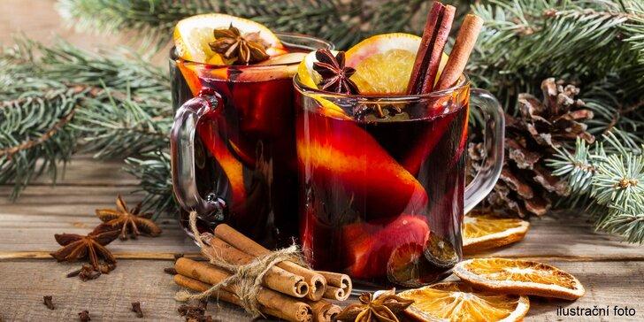Voňavý punč z kvalitního červeného vína ve Vinotékách U Sudu i s sebou