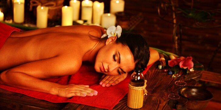 Terapeutická masáž zad a šíje bio konopným olejem včetně zábalu