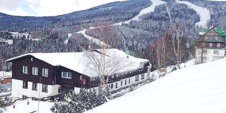 Odpočinek i lyžovačka: pobyt v hotelu s úžasným výhledem na Krkonoše