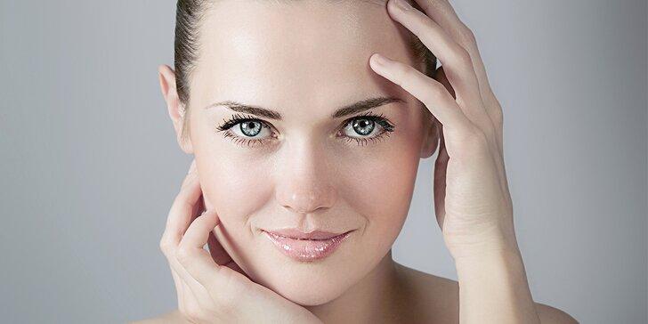 Kosmetické ošetření pleti vč. masáže obličeje, peelingu a úpravy obočí