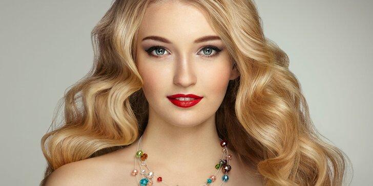Vlasy krásné od kořínků až ke konečkům: balíčky se střihem i barvením