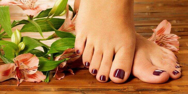 Nožky jako ze žurnálu: ošetření nohou a úprava nehtů na nohou