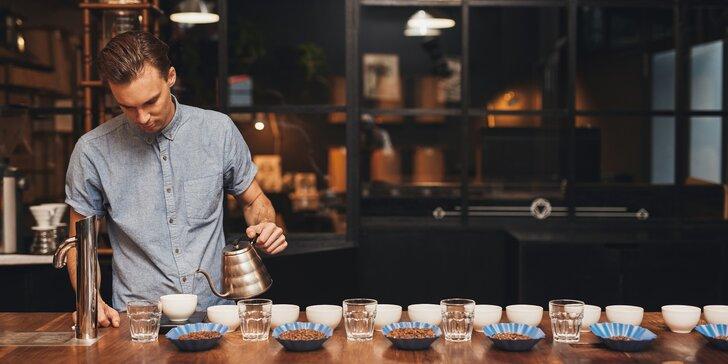 Kávová degustace: 8 vzorků ze tří kontinentů a balíček s sebou pro 1 či 2