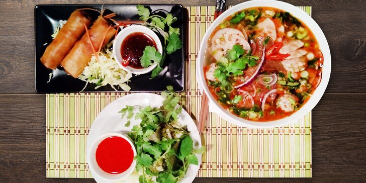 Asijské menu pro 1 či 2 s výběrem hlavního jídla ze 3 specialit