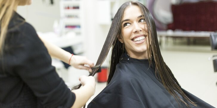 Důkladná péče o vaše vlasy: Detoxikační kúra vč. masáže a možnosti střihu