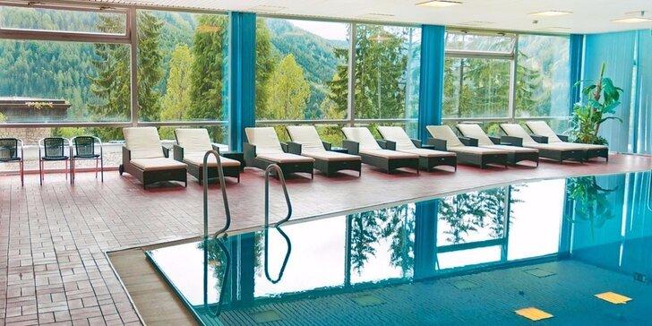 Krásná zima v rakouských Alpách: polopenze, neomezený bazén i lyžování