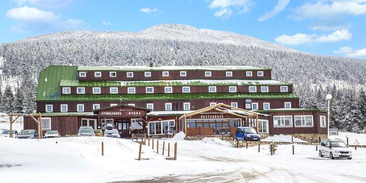Rodinná lyžovačka ve Špindlerově boudě: polopenze a dítě do 8,9 let zdarma