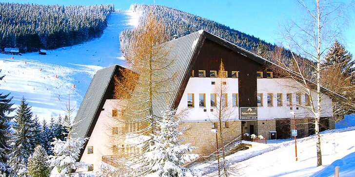 Na hory a lyžovačku do Harrachova: relax a polopenze ve 4* hotelu Pytloun