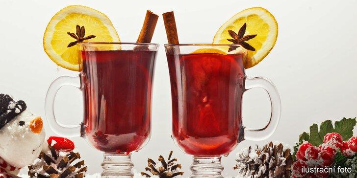 Na zahřátí: svařené víno, griotka, punč, medovina nebo grog u Quadria