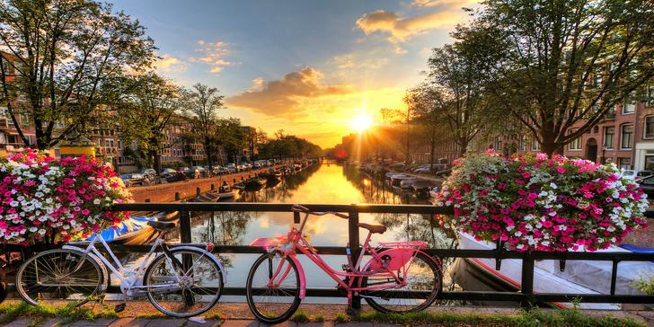 Letecky do Amsterdamu, za tulipány i větrnými mlýny: 3 noci v hotelu i průvodce