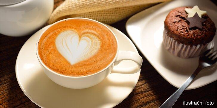 Dvě kávy a případně i dva domácí zákusky v Happy Café
