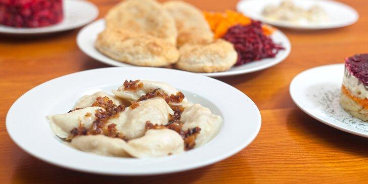 Menu plné ruských a ukrajinských specialit: pelmeně, pěrohy, vareniky a další