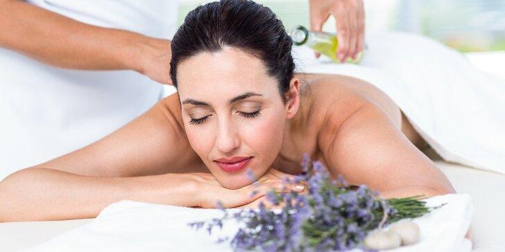 Masáž s vůní levandule: 50 minut relaxu při masáži zad, krční páteře a hlavy