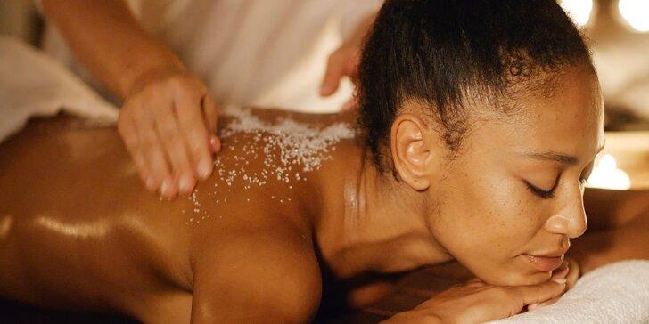 Vyzkoušejte účinky soli pomocí masáže: 90minutová olejosolná procedura