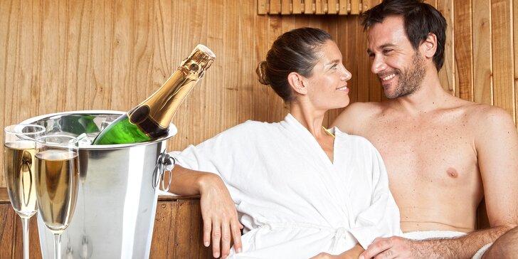 Zimní romantika: 3 hodiny privátního saunování a lahev bublinek pro 2