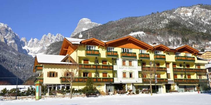 Zimní dovolená ve 4* hotelu s polopenzí a skipasem v blízkosti jezera Molveno