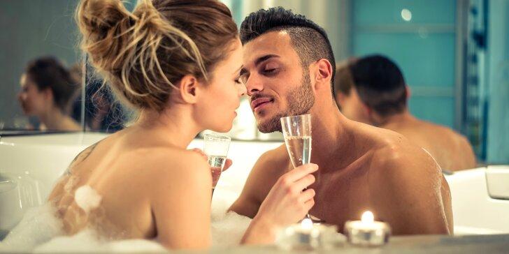 Hodina soukromí jen pro vás dva: privátní wellness s lahví sektu