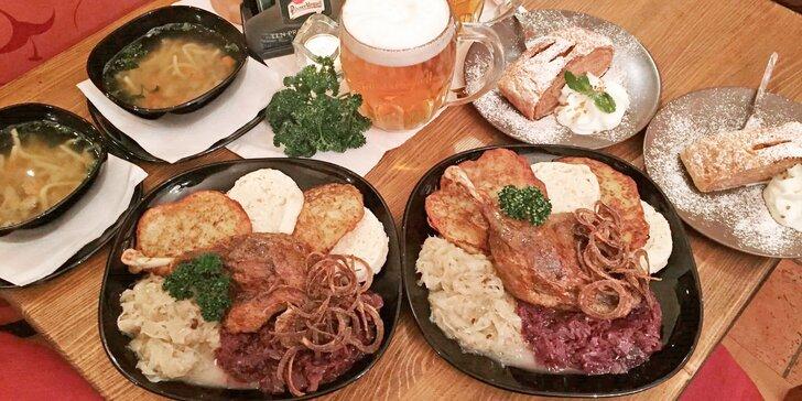 Vydatné 3chodové staročeské menu pro 2 v restauraci u Pražského hradu
