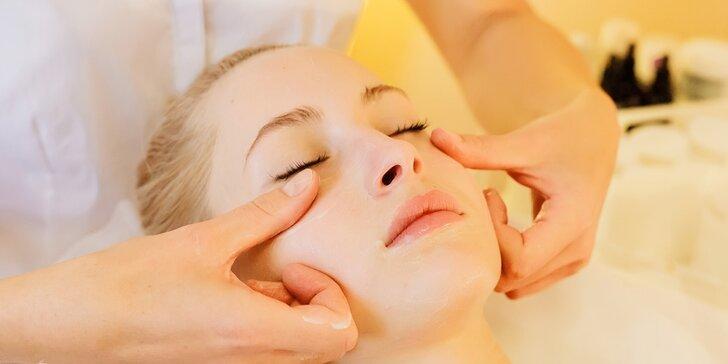 Kosmetické ošetření včetně čištění ultrazvukovou špachtlí a masáže